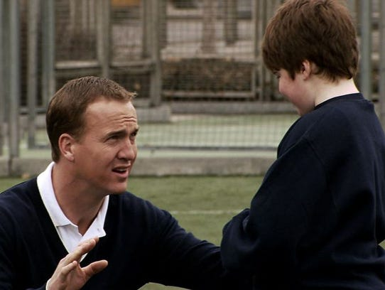 Peyton Manning in his United Way commercial parody
