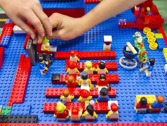 Express Yourself: Lego MANIA
