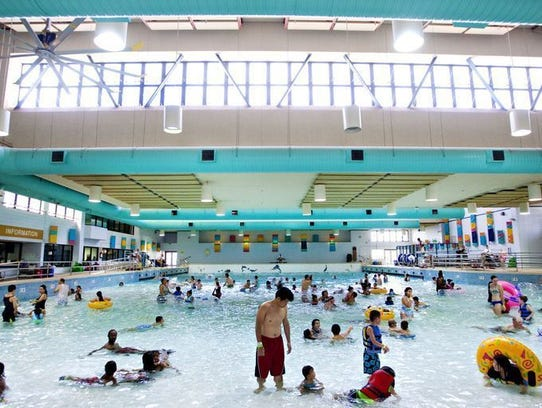 21 east valley city pools address amenities for Tempe swimming pool