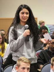 St. Georges' Jessenia Rodriguez'19 asking a question
