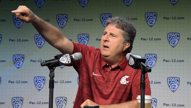 Washington State Cougars coach Mike Leach.