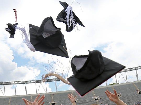 -Graduation.jpg_20130924.jpg