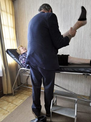 The California Medical Board must ensure that patients are aware when their doctor is on probation, the Oakland Tribune/Contra Costa Times opines.