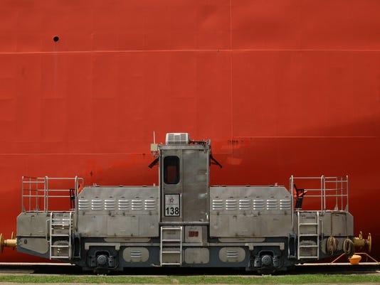 636010840920813252-Panama-Canal-Expansio-Coat.jpg