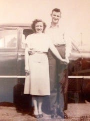 Newlyweds Bennie and Bill Cooksey in 1947