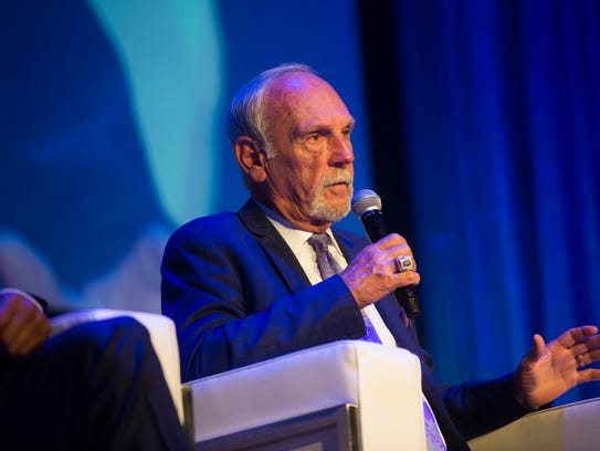 Former Detroit Tigers manager Jim Leyland speaks during