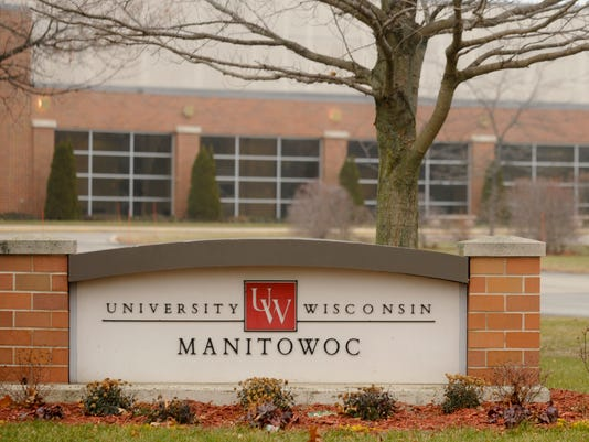 635948709390470790-UW-Manitowoc-University-sign-building.jpg
