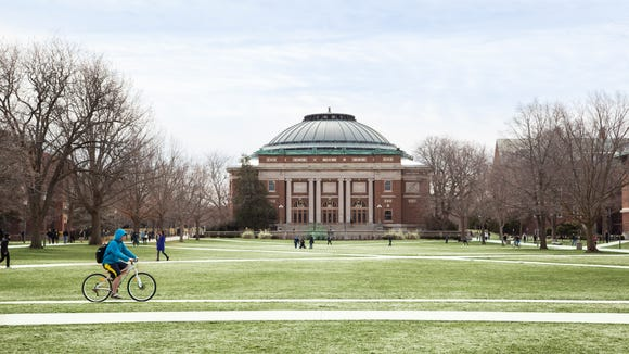 The main quad at the University of Illinois at Urbana-Champaign.  (Walbert Castillo/USA TODAY College)
