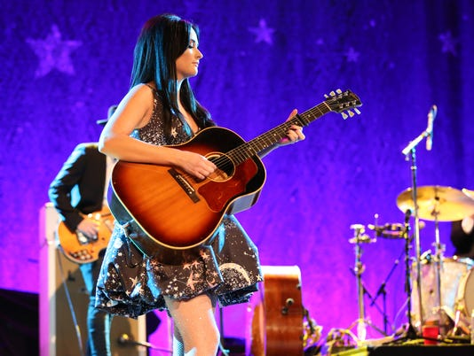 636188234202702117-Kacey-Musgraves-NYE-12.31.16-5-of-10-.jpg