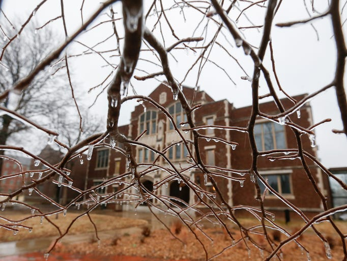 Ice Storm Hits Central Usa