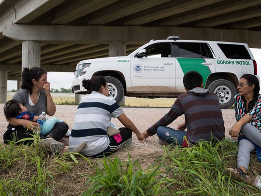 Migrant families from Honduras & Guatemala wait to