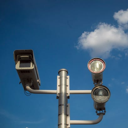 Chandler will continue to use red-light cameras in
