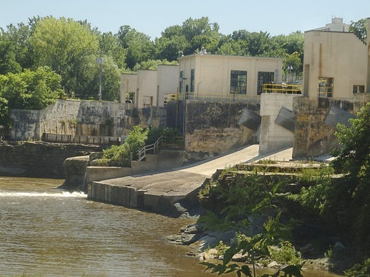 The Middle Falls on the Genesee River during low flow in August 2006.