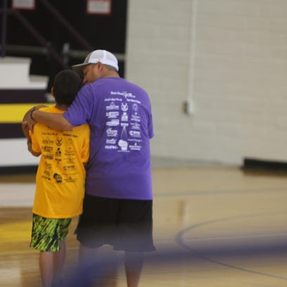 Wauwatosa group runs free basketball camp for kids