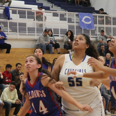 Cavegirls headed to district tournament championship after defeating Las Cruces, 35-28