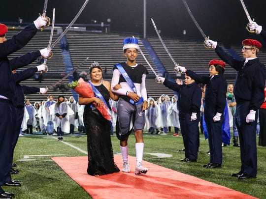 Lake View's Kikki Perez and Tyre Thomas were crowned the 2017 homecoming queen and king.