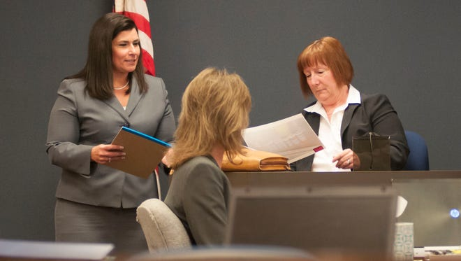 Senior Assistant Prosecutor Mona Armstrong questions Bridget Lemberg, a forensic toxicologist, Friday during the Elizabeth Long trial.