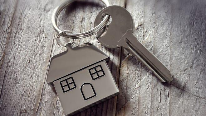 homebuyer, key on house key ring