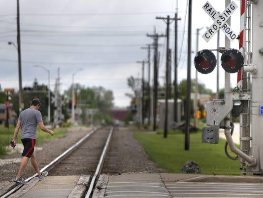 636051673900930195-APC-Train-Tracks.jpg