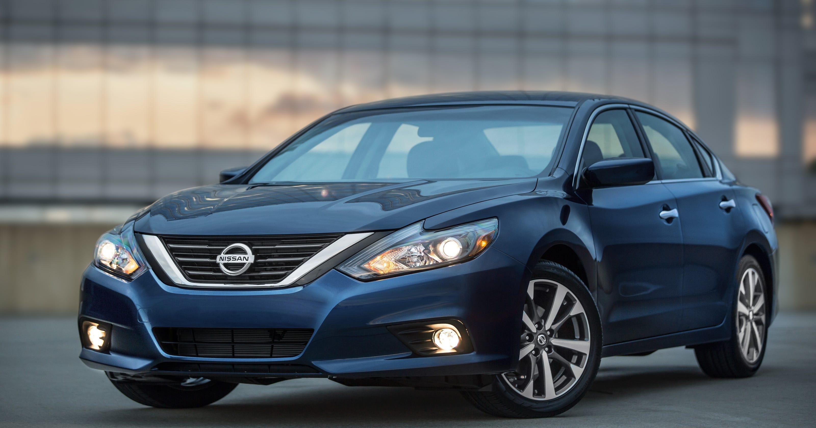 Nissan Prices 2016 Altima Midsize Sedan At 22 500