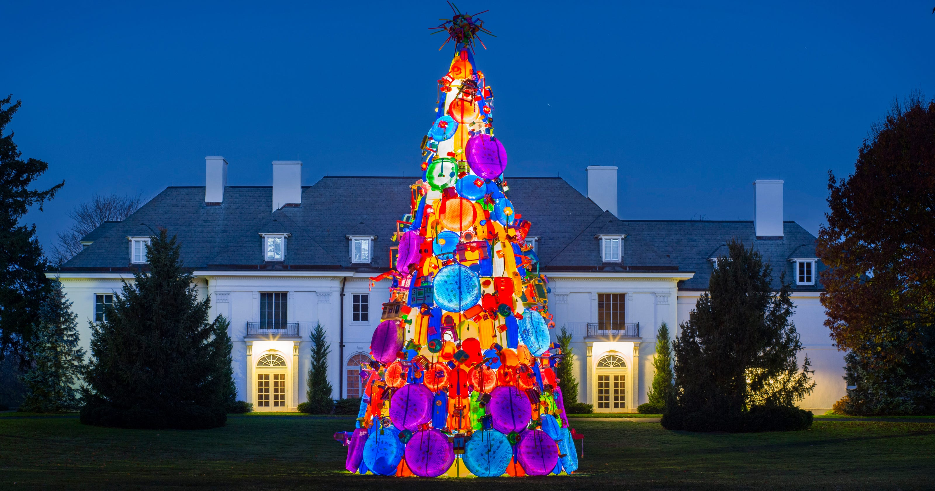 40-foot Toy Christmas Tree Puts A Twist On IMA Tradition