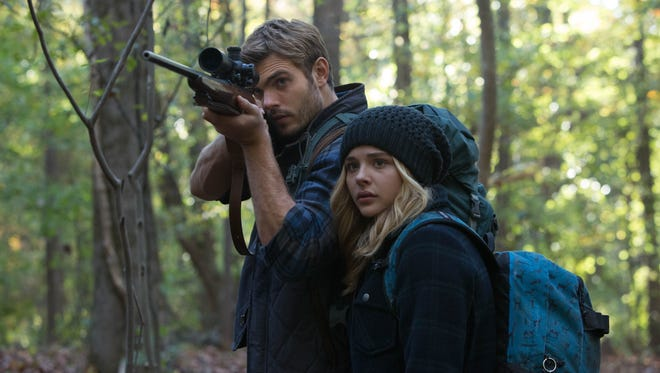 """Chloë Grace Moretz and Alex Roe star in the teen sci-fi adventure film """"The 5th Wave."""""""