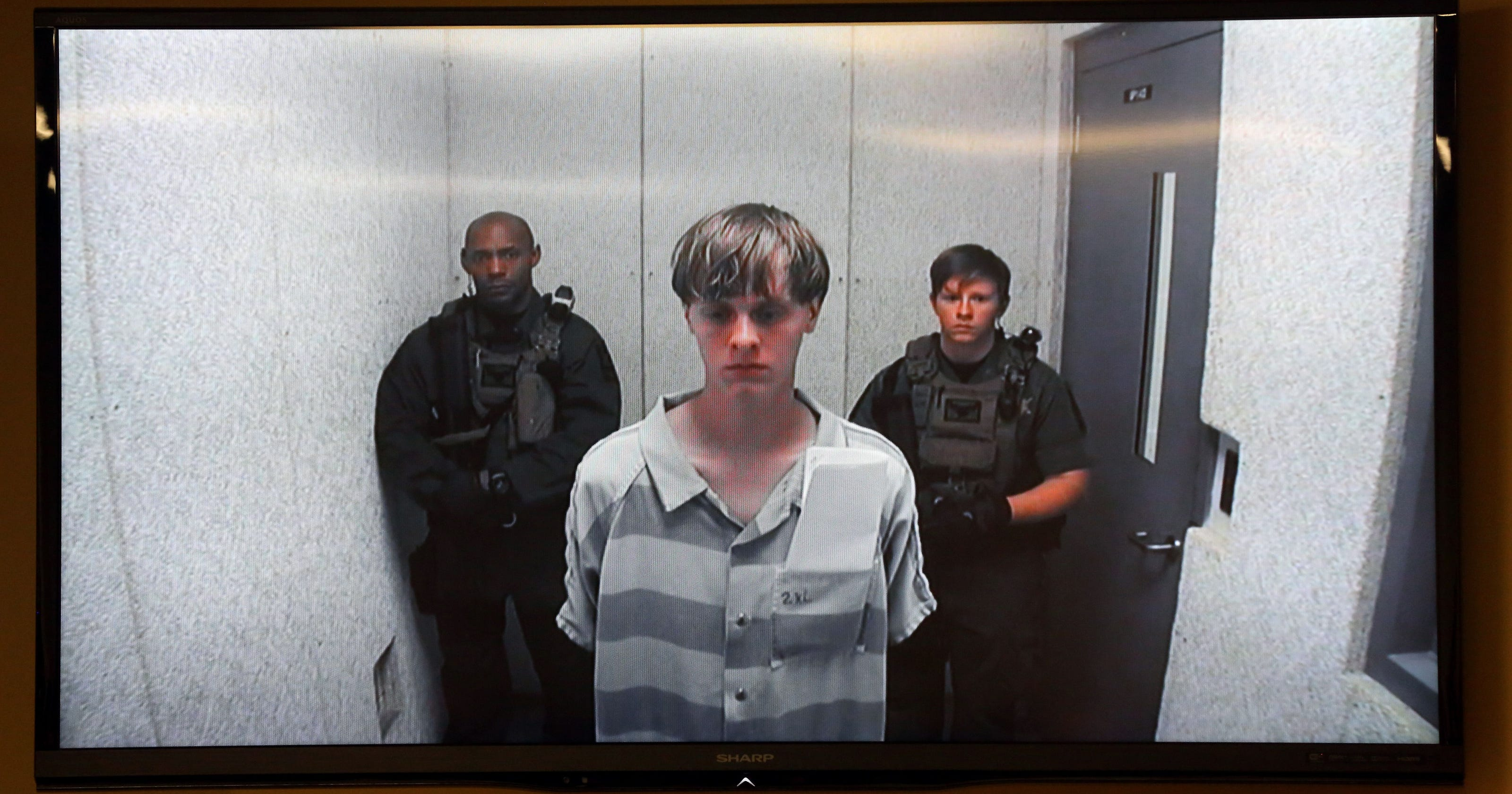 Lynch Justice Dept To Seek Death Penalty Against Dylann Roof