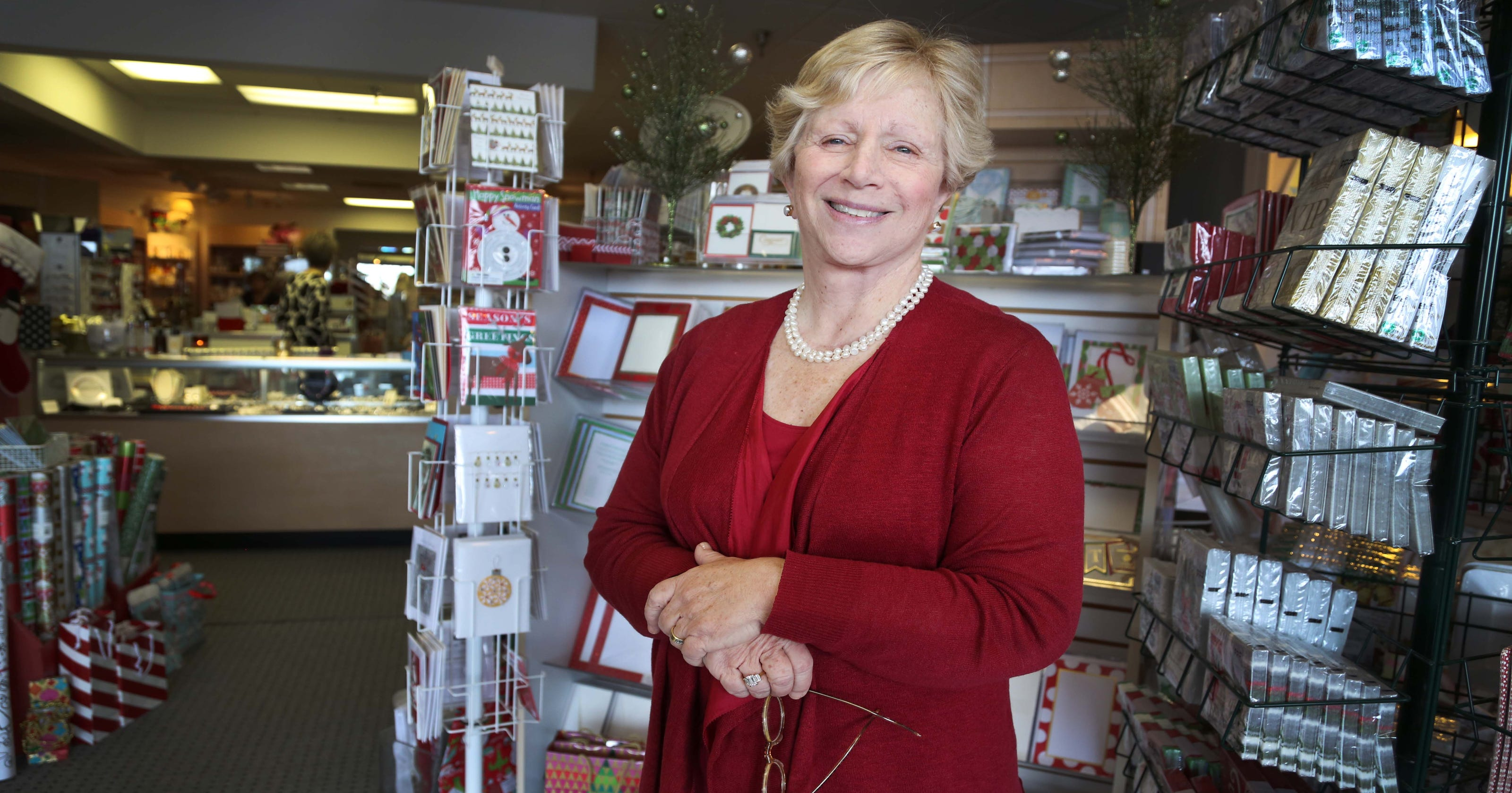 Longtime West Des Moines stationery store to close
