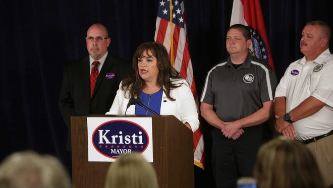 Kristi Fulnecky kicks off her campaign for Springfield mayor Thursday, Sept. 15, 2016. Fluency talks about her priorities.
