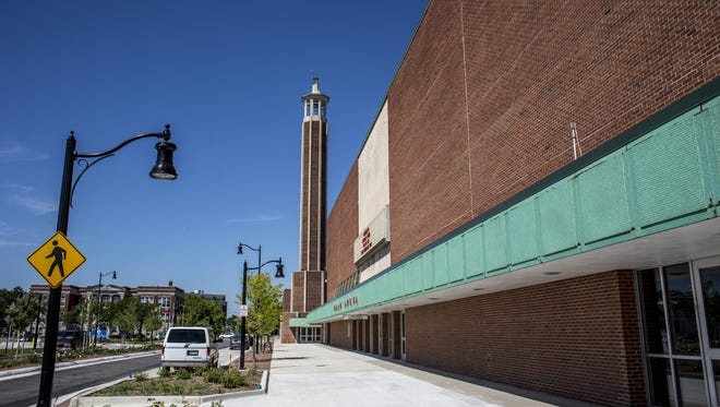 JEFFREY M. SMITH/TIMES HERALD The south entrance of McMorran Place pictured Wednesday in downtown Port Huron. The facility will be getting about $250,000 in renovation work. The south entrance of McMorran Place pictured Wednesday, August 10, 2016 in downtown Port Huron. The facility will be getting about $250,000 in renovation work.