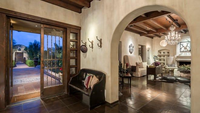 Former child star Frankie Muniz has sold his Phoenix Biltmore estate for $3.2 million.
