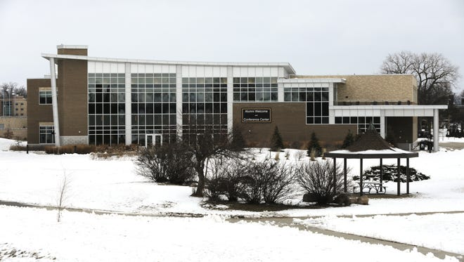 The University of Wisconsin-Oshkosh Alumni Welcome and Conference Center is located on the UW-Oshkosh campus next to the Fox River.