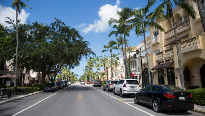 Fifth Avenue South in Naples