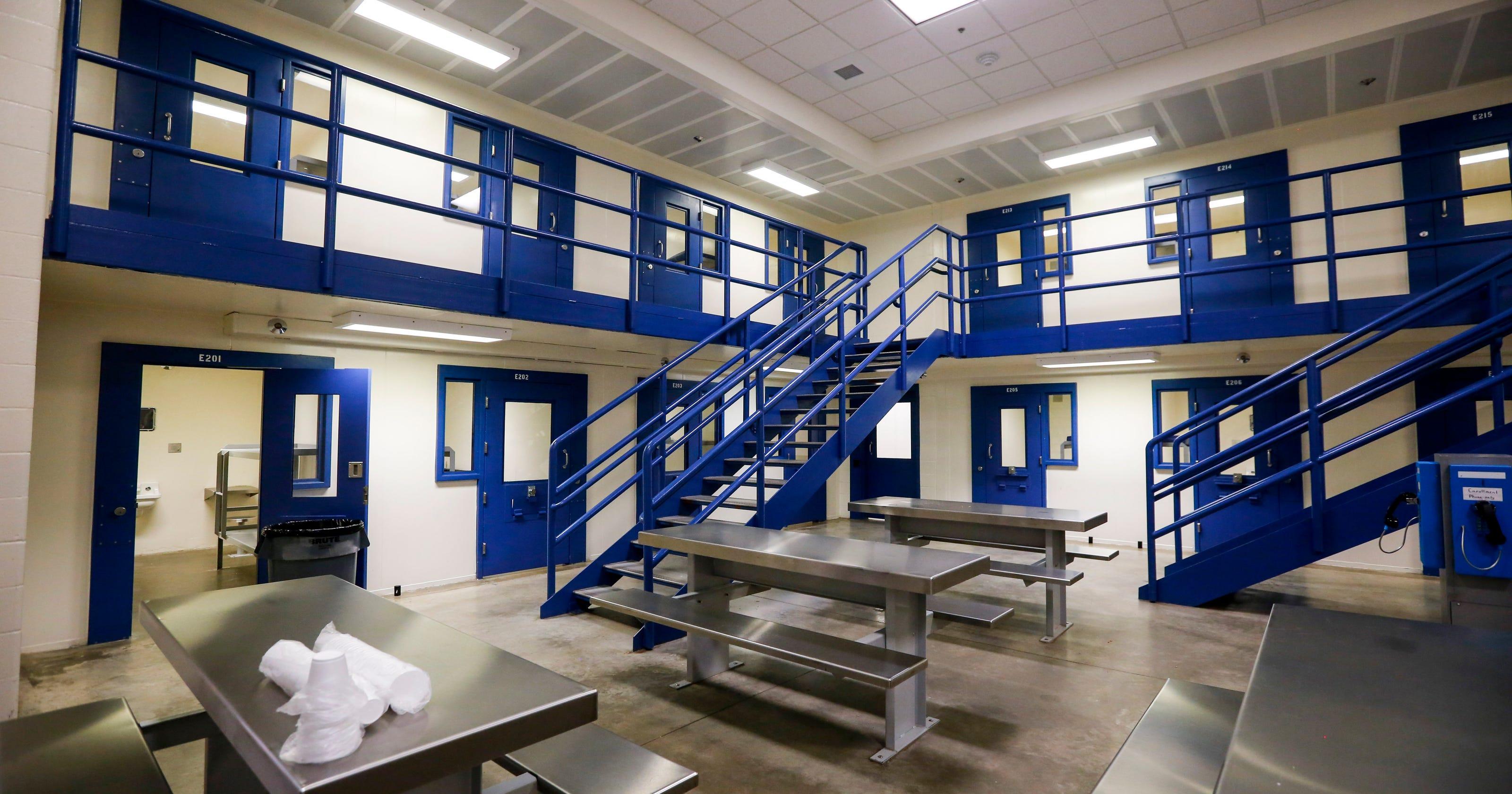 Polk County Jail staff find handgun on Des Moines inmate at booking