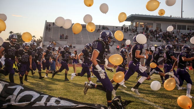 Shadow Hills and Rancho Mirage football action on Friday, September 1, 2017 in Indio.