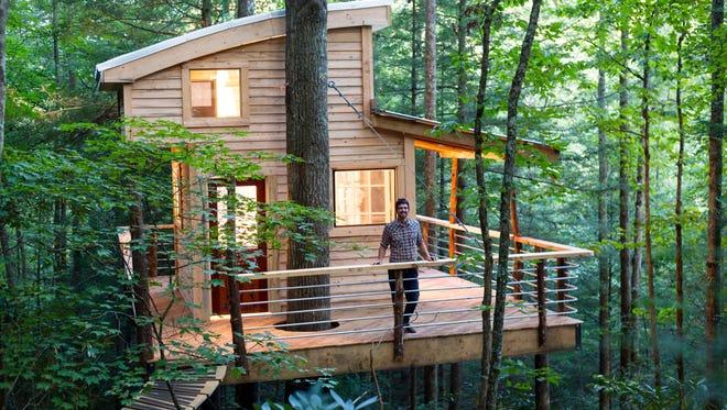 Django Kroner at his Sylvan Float rental tree house in Red River Gorge