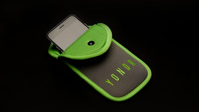 Yondr mobile device pouch