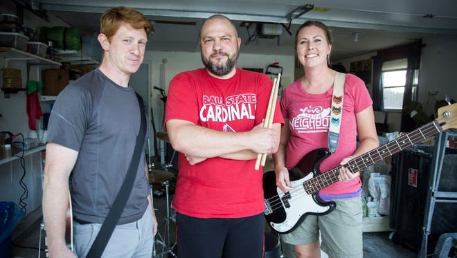 Andrew Wood, Stephen Merkle and Suzanne Clem make up The No Good Riders, a 2000s alternative rock band that has been set for about three to four years. The three are working professionals at schools and other businesses in the area.