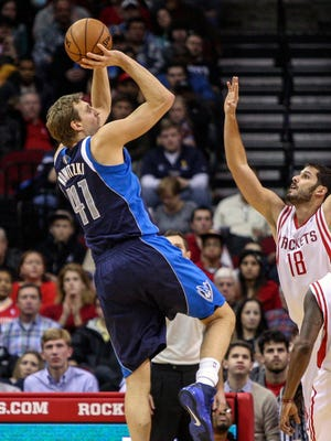 Dirk Nowitzki scored a game-high 31 points for the Mavericks.