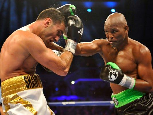Bernard Hopkins defeats Murat