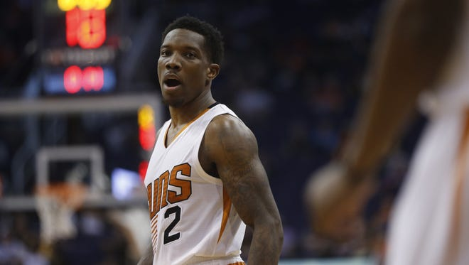 Suns Eric Bledsoe (2) talks to Brandon Knight during a timeout at Talking Stick Resort Arena on November 27, 2016 in Phoenix, Ariz.