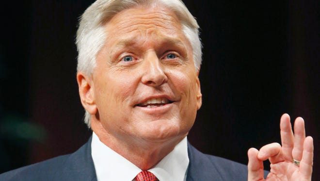 Democrat  gubernatorial candidate Fred DuVal talks about the Arizona economy at the Chandler Center for the Arts Wednesday, Sept. 10, 2014.