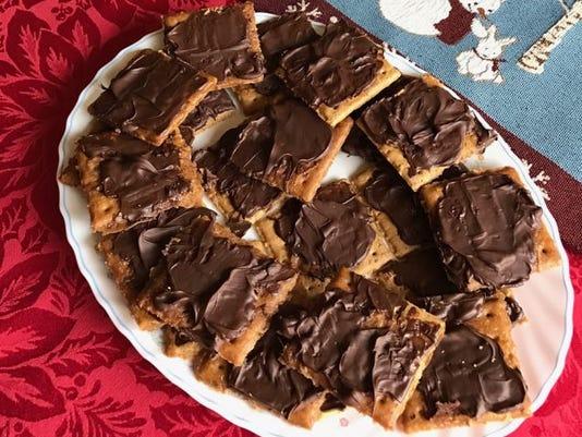 636166131375962092-Amish-graham-cracker-candy.jpg