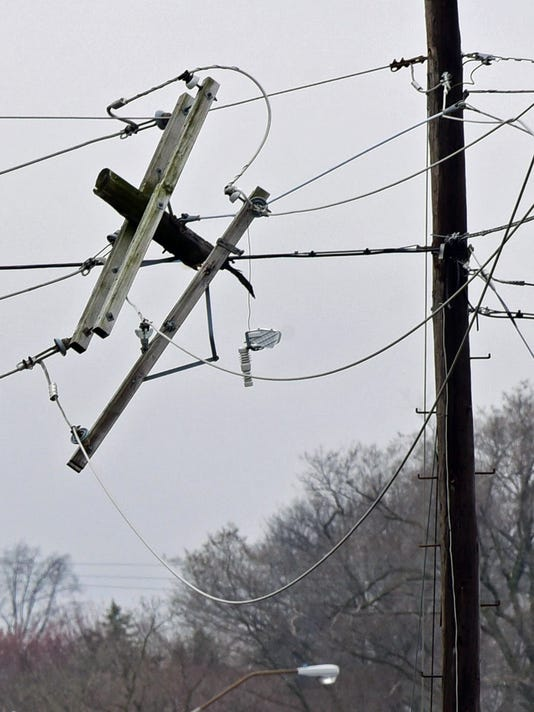CPO-031416-utility-pole