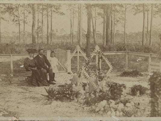 Armeda family at the Fort Myers cemetery