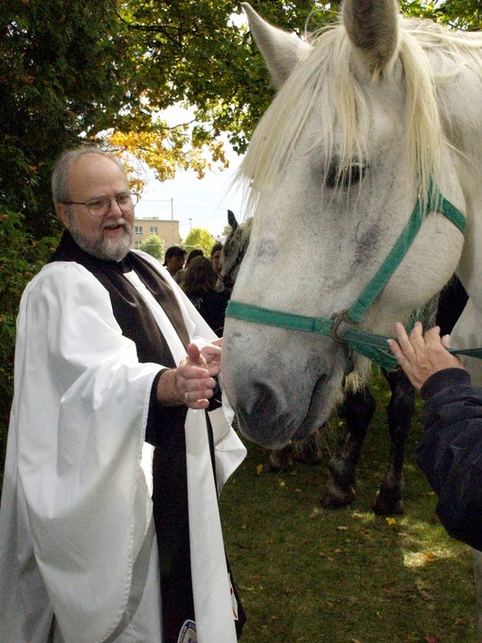 -Blessing of Animals001.jpg_20021007.jpg
