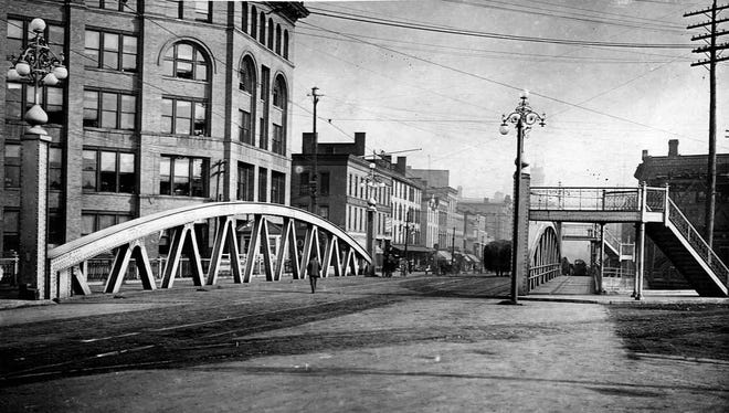 Bridge spanning the Erie Canal on West Main Street in downtown Rochester.