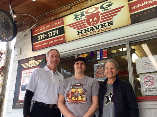 Homer and Janet Drew, parents of Vanderbilt basketball coach Bryce Drew, visit one of their favorite Nashville restaurants, Hog Heaven, along with owner Katy Garner (middle).