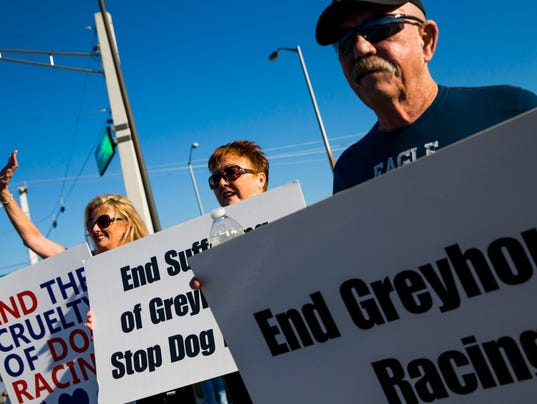 0122 Greyhound protest 02 secondary