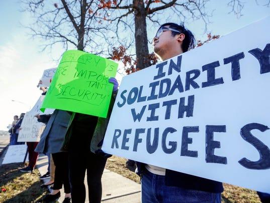 USP NEWS: REFUGEE PROTESTS A USA MO